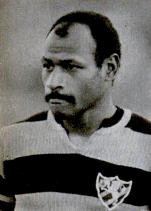 Edu também fez sucesso no futebol pernambucano pelo Sport. Crédito: revista Placar - 28 de novembro de 1980.