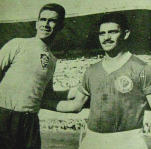 Castilho e Américo antes de uma partida no estádio do Maracanã. Crédito: revista do Esporte número 76 - Agosto de 1960.