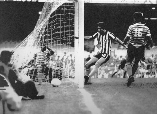 Gol de Ferretti no Maracanã contra o Fortaleza na Taça Brasil de 1968.